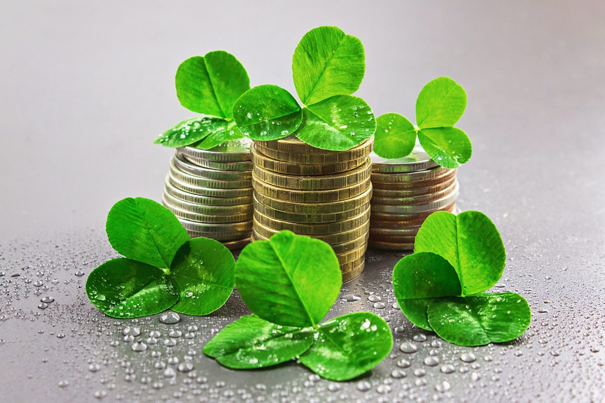 coins with clover leaves