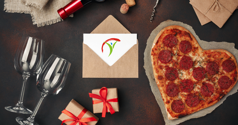heart pizza and card